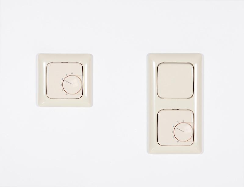 temperaturregler f r schalterprogramm busch jaeger si linear. Black Bedroom Furniture Sets. Home Design Ideas